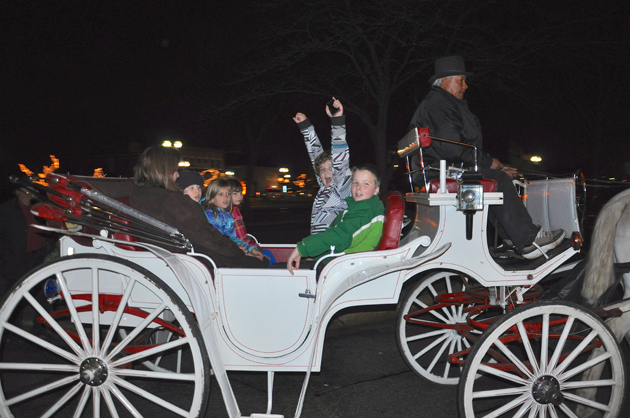 Carriage Rides During Santa's Return to Barrington