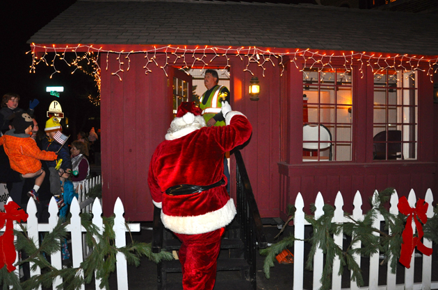 Santa's Arrival in Barrington
