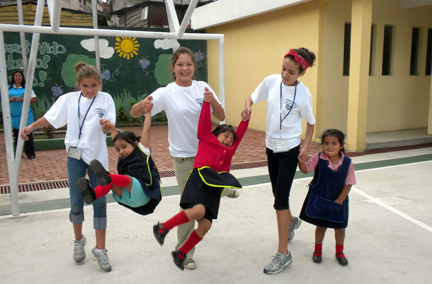 Courtney Quigley (Center) Playing with Children in Guatemala