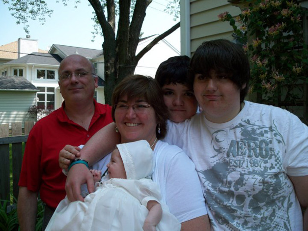 """Vikki Merchant and Her Family Walking with """"The Fight Club"""" Team in Tonight's Relay for Life"""