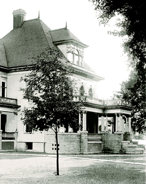 Post 300 - Barrington White House - 4