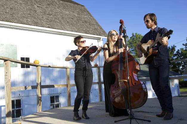 Big Sadie Performs at the Smart Farm to Table Dinner - Photographed by Julie Linnekin