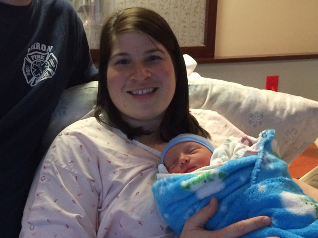 Advocate Good Shepherd Hospital Welcomes First Baby of 2015
