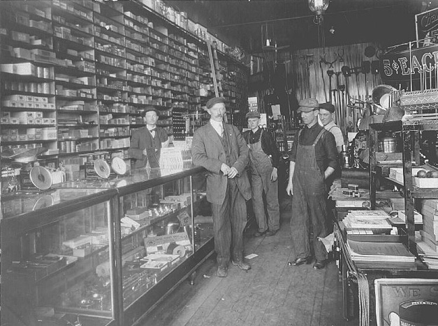 H.D.A. Grebe Hardware in Barrington - Photo from the Wolthausen Collection