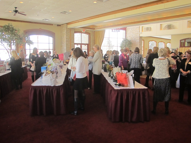 Barrington Area United Way Hosts 2015 Power of the Purse Luncheon