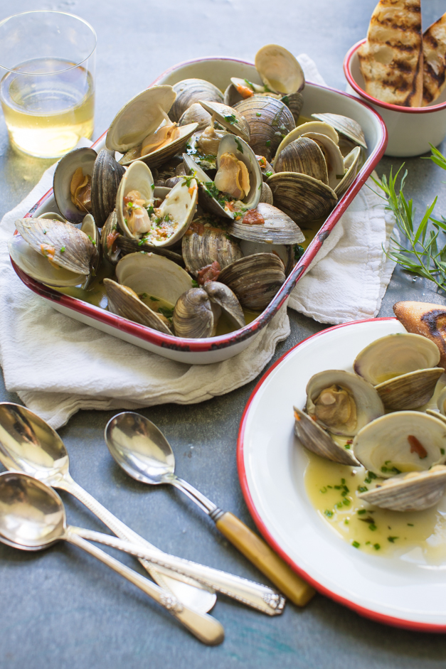 Clams_steamed_with_tarragon_Tableanddish-6320