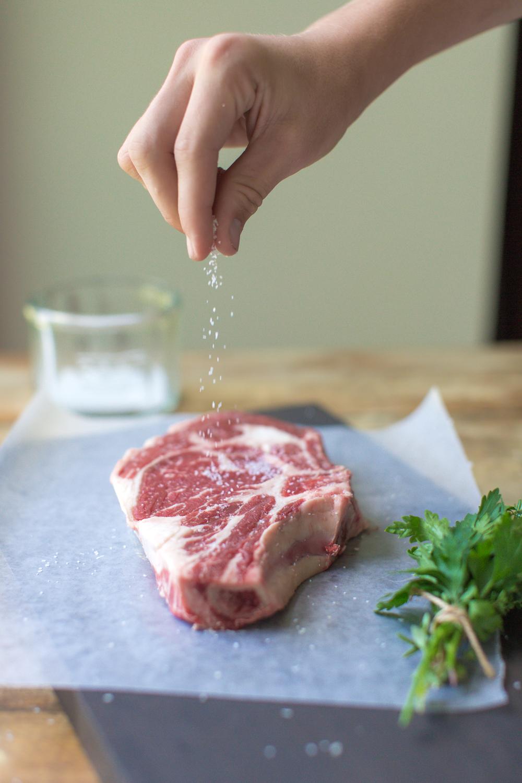 heinens4pmPanic_Steak_wine-9731